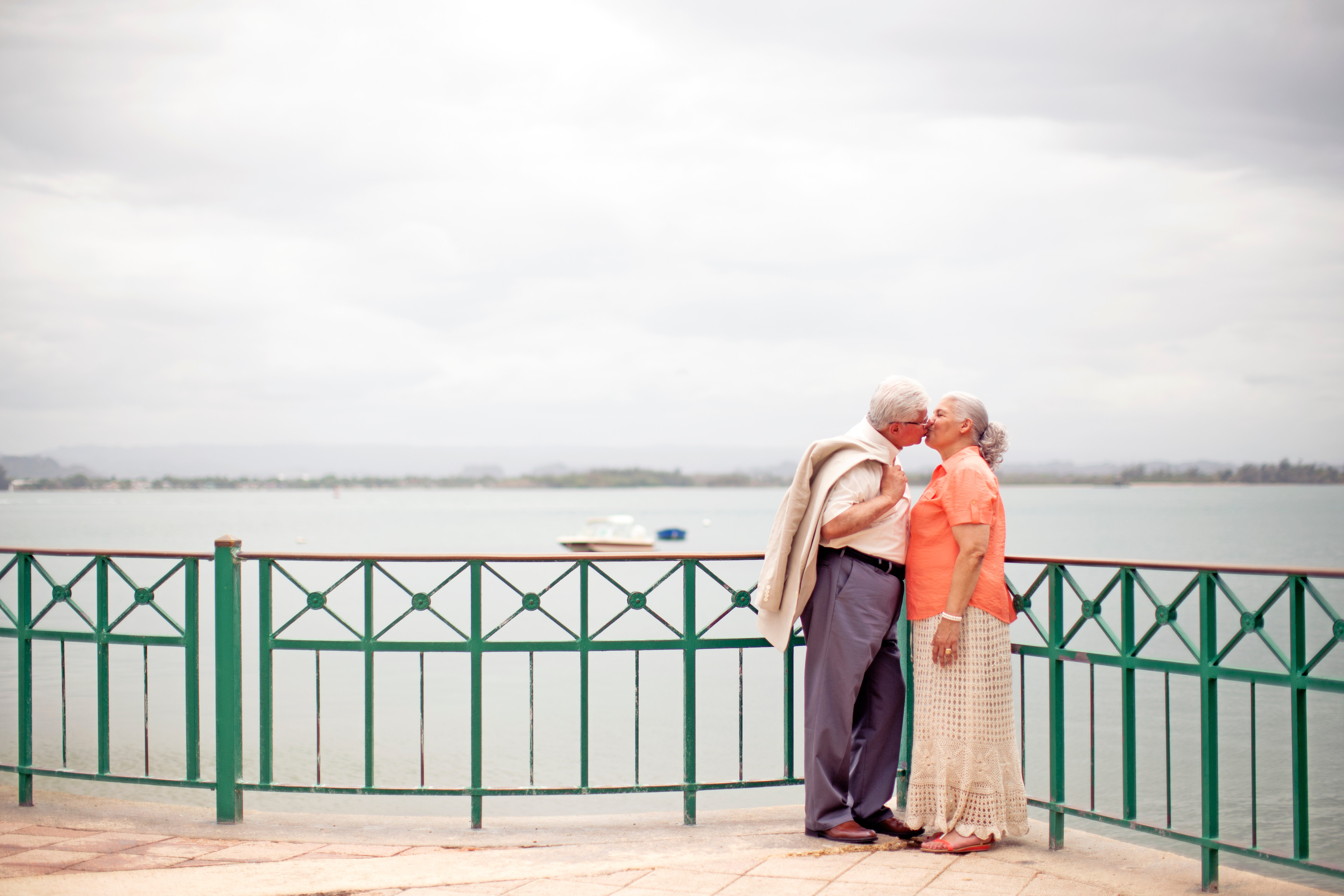 Reasons why people over 60 should choose online dating